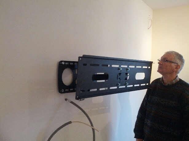 Fixation tv mur placo great fixer meuble haut cuisine - Fixer un grand miroir au mur ...